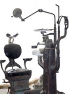 台灣早期牙醫治療椅,目前保存於士林生物能中心